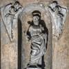 Kaplica Męczeństwa św. Piotra (Tempietto), ołtarz św. Piotra  w otoczeniu aniołów w krypcie budowli