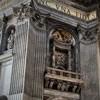 Gian Lorenzo Bernini, jeden z czterech filarów podtrzymujących kopułę bazyliki San Pietro in Vaticano