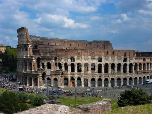 Koloseum - amfiteatr Flawiuszów, ukończony przez cesarza Tytusa