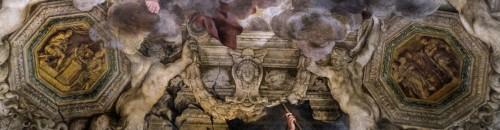 Triumf Opatrzności Bożej, Mucjusz Scewola wkłada rękę do ognia, po prawej Scypion Afrykański oddaje brankę mężowi, Pietro da Cortona, Palazzo Barberini