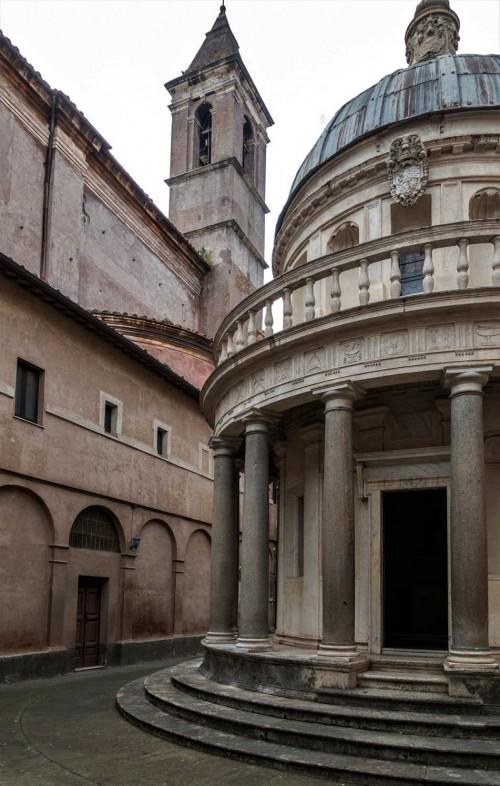 Kaplica Męczeństwa św. Piotra (Tempietto) na dziedzińcu wirydarza kościoła San Pietro in Montorio