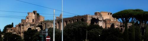 Widok Palatynu (kompleksu seweriańskiego) od strony Circus Maximus