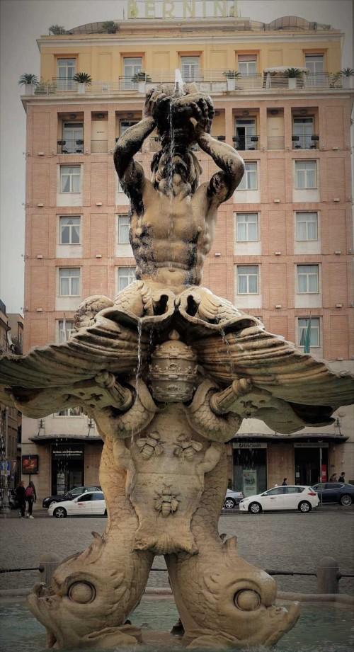 Fontana del Tritone, fundacja papieża Urbana VIII, Gian Lorenzo Bernini, Piazza Barberini