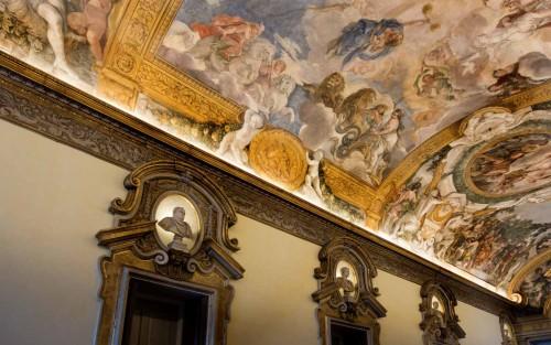 Galleria Serliana, freski Pietro da Cortony i popiersia rzymskich cesarzy, Palazzo Pamphilj