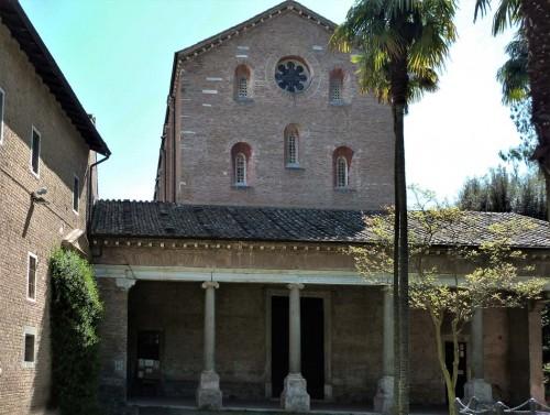 Fasada kościoła Santi Vincenzo e Anastasio alle Tre Fontane