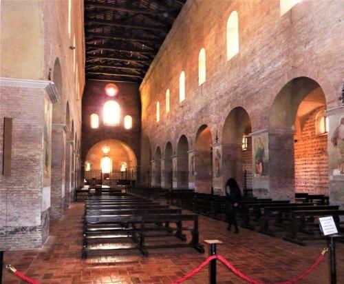 Kościół Santi Vincenzo e Anastasio alle Tre Fontane, nawa główna