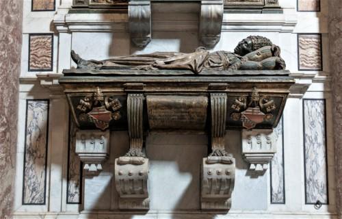 Tombstone of Pope Innocent VIII, lower part, Basilica of San Pietro in Vaticano