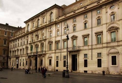 Fasada Palazzo Pamphilj na Piazza Navona - siedziba Olimpii Maidalchini