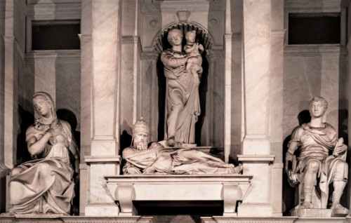 Funerary monument of Julius II (fragment), in the middle, lying pope, Basilica of San Pietro in Vincoli