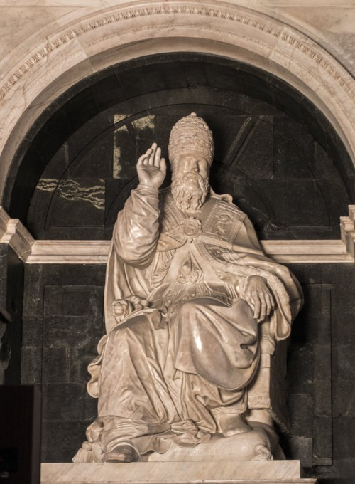 Clement VII – tombstone of the pope in the apse of the Basilica of Santa Maria sopra Minerva