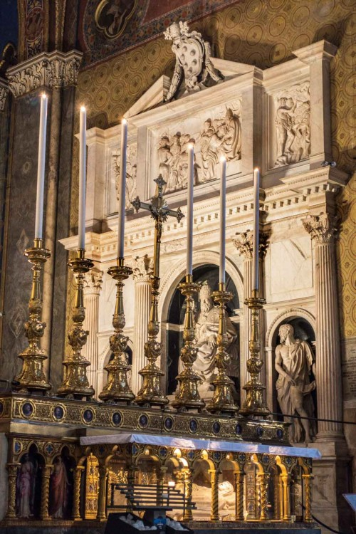 Nagrobek papieża Klemensa VII w absydzie bazyliki Santa Maria sopra Minerva