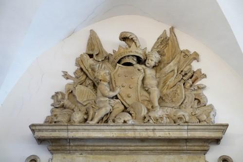 Sala Klemensa VIII, herb rodu Altiieri, z którego wywodził się papież Klemens X