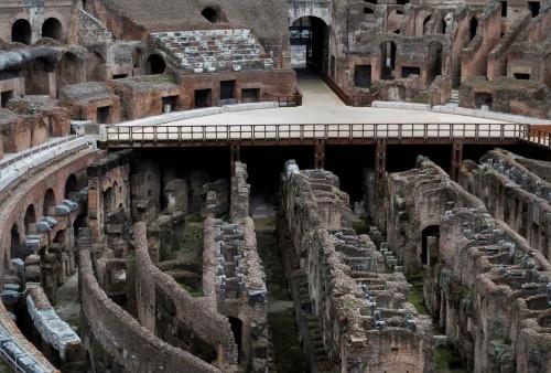 Koloseum, wejście po krótszej stronie areny