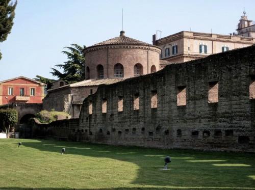 Santa Constanza, widok na mauzoleum ze środka dawnej bazyliki cmentarnej Sant'Agnese