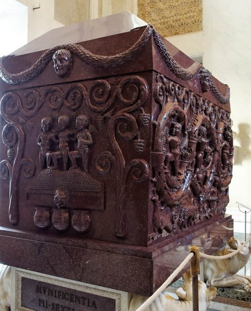 Sarcophagus of Constantina, daughter of Constantine the Great, Musei Vaticani, fragment