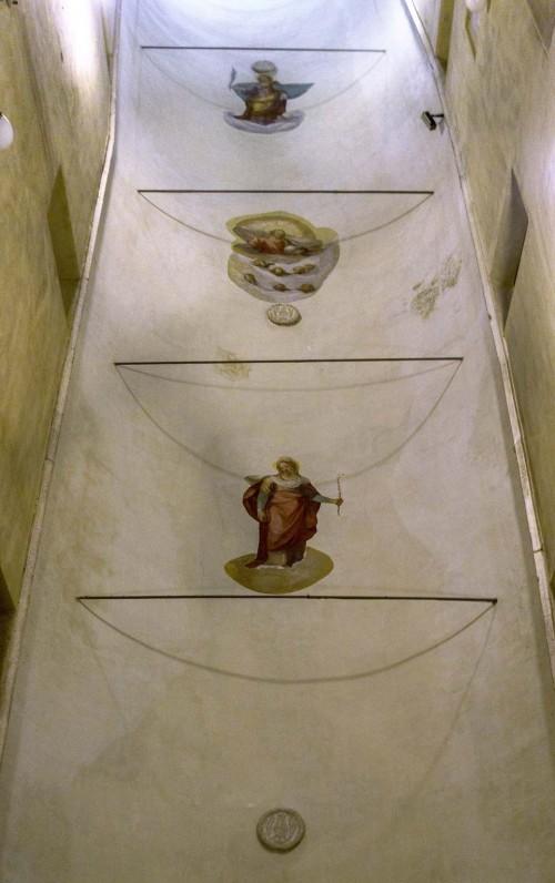 Sant'Agnese fuori le mura, sklepienie schodów prowadzących do kościoła