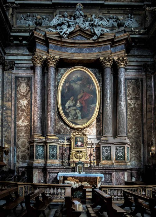 Basilica of Sant'Andrea delle Fratte, Chapel of St. Anna with a painting of G. Battoni and a lying statue of St. Anna