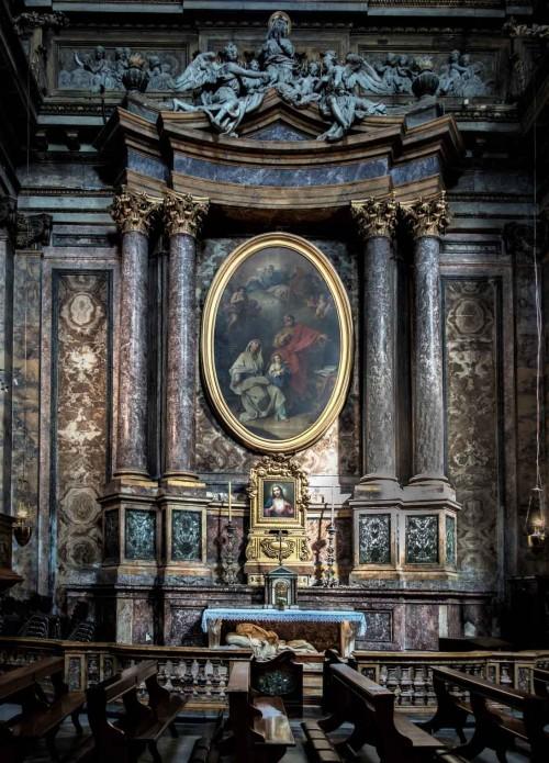 Sant'Andrea delle Fratte, kaplica św. Anny z obrazem G. Battoniego i leżącym posągiem św. Anny