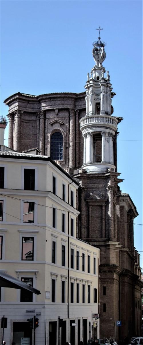 Sant'Andrea delle Fratte, widok na dzwonnicę i wieżę kościoła - projekt Francesco Borromini