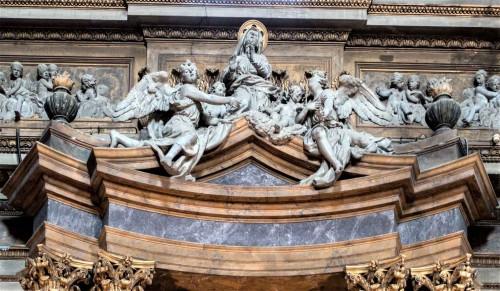 Sant'Andrea delle Fratte, zwieńczenie ołtarza w kaplicy św. Anny