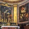 Sant'Andrea delle Fratte, widok absydy z obrazami L. Baldiego (Ukrzyżowanie św. Andrzeja) i F. Trevisianiego (Pogrzeb św. Andrzeja)