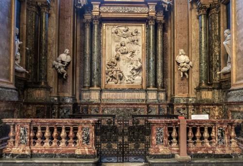 Sant'Andrea della Valle, kaplica Ginnetti, w partii środkowej marmurowy relief Antonio Raggiego