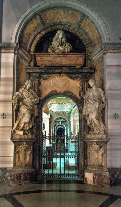Basilica of Sant'Andrea della Valle, funerary monument of Count G. Thiene, transept