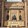Sant'Andrea della Valle, kaplica Strozzi - kopia Piety oraz posągów Racheli i Lei Michała Anioła