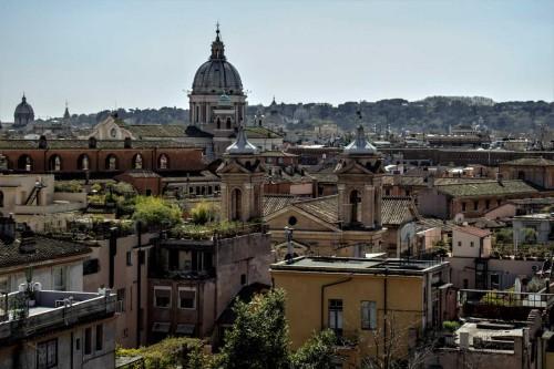 Kopuła bazyliki San Carlo al Corso widoczna ze wzgórza Pincio