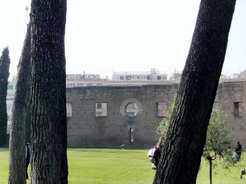 Mury dawnej bazyliki cmentarnej Sant'Agnese