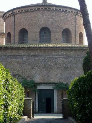 Santa Constanza (dawne mauzoleum Konstantyny), obecne wejście do kościoła