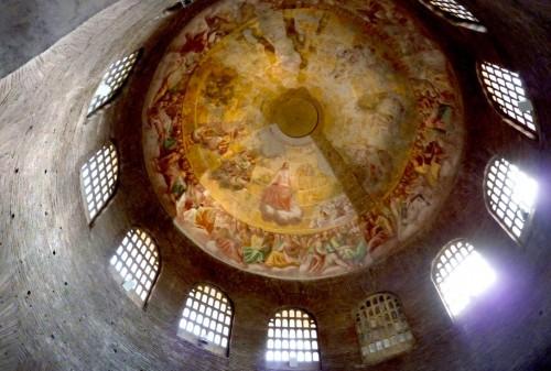Santa Constanza, widok kopuły z freskami z XVII w.