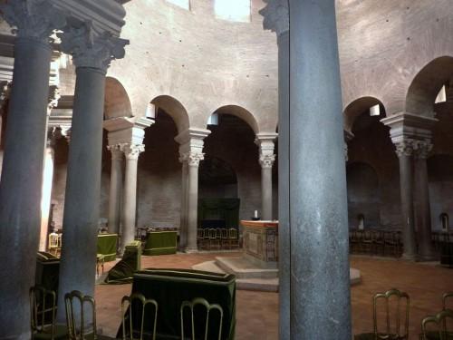Santa Constanza,wnętrze obecnego kościoła, ongiś mauzoleum Konstantyny