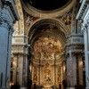 Absyda kościoła Sant'Ignazio, na dole - Wizja św. Ignacego, po bokach Ignacy wysyła Franciszka Ksawerego do Indii i przyjmuje do zakonu Franciszka Borgię