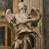 Sant'Ignazio, anioł z koroną cierniową flankujący ołtarz św. Jana Berchmansa, Pietro Bracci, transept kościoła
