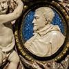 Sant'Ignazio, medalion z wizerunkiem kardynała Ludovico Ludovisiego z nagrobka papieża Grzegorza XV