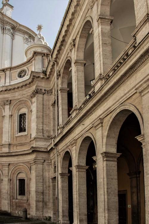 Sant'Ivo alla Sapienza, arkady otaczającego kościół zespołu dawnego uniwersytetu La Sapienza