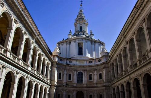 Sant'Ivo alla Sapienza, fasada wraz z dwoma skrzydłami dawnego uniwersytetu la Sapienza