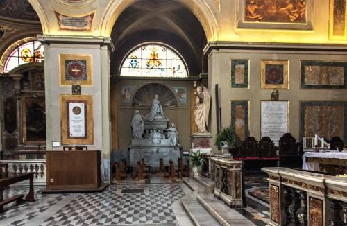 Basilica of San Lorenzo in Lucina, tombstone of cardinal Sermattei in the left transept