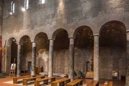 San Lorenzo in Piscibus, church nave