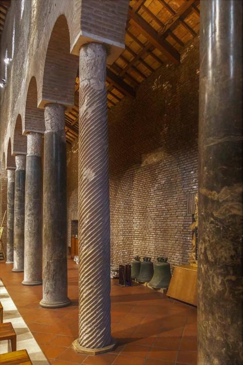 San Lorenzo in Piscibus, wnętrze kościoła