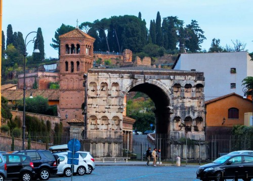 Arch of Janus, Church of San Giorgio in Velabro in the background