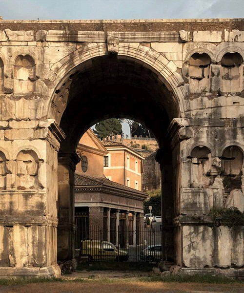 Arch of Janus seen from the Tiber