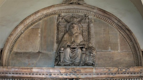 San Marco, nadproże portalu kościoła  - św. Marek Ewangelista (I. da Pisa)