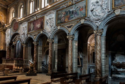 San Marco, widok prawej nawy kościoła