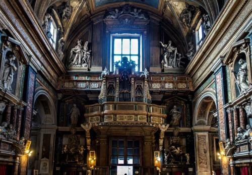 Santissimi Nomi di Gesù e Maria, widok na ścianę wejściową
