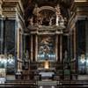 Santissimi Nomi di Gesù e Maria, wnętrze z ołtarzem głównym