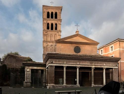 Łuk Srebrników (Arco degli Argentari) i kościół San Giorgio in Velabro