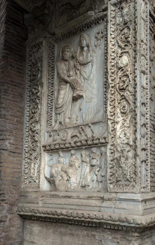 Łuk Srebrników (Arco degli Argentari), scena przedstawiająca cesarza Septymiusza Sewera i Julię Domnę podczas składania ofiar
