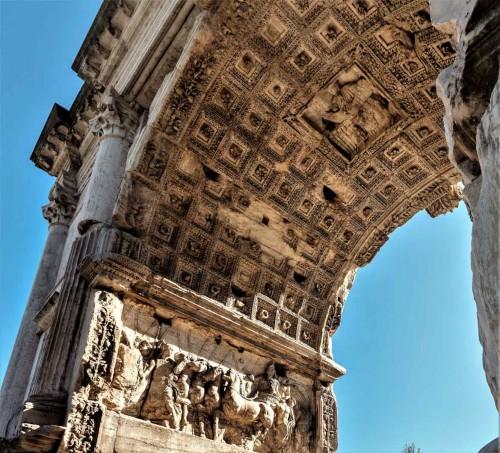 Łuk triumfalny cesarza Tytusa, Forum Romanum